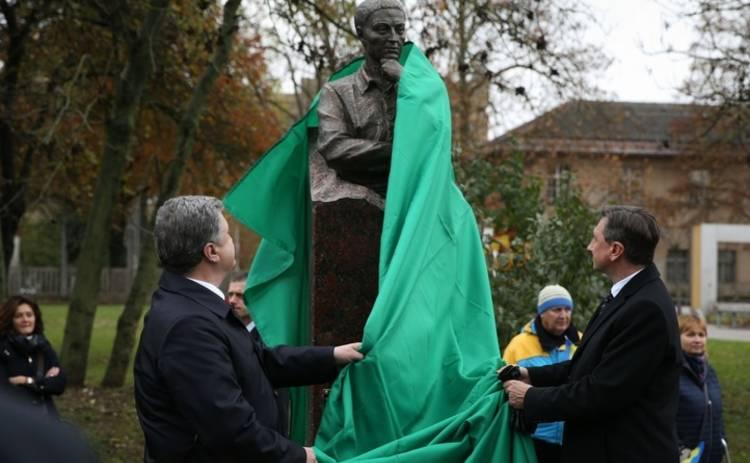 Порошенко снова дал маху перед телекамерами (видео)