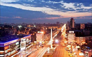 В Киеве разрушается «героический» обелиск (фото)