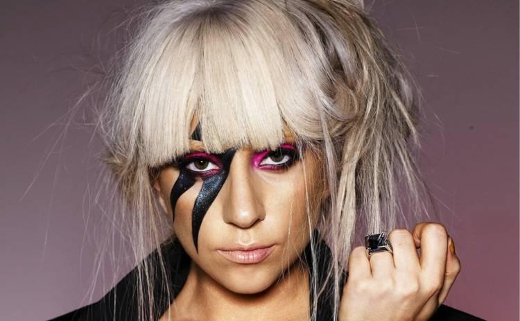 Леди Гага творит в сауне невероятные вещи (фото)
