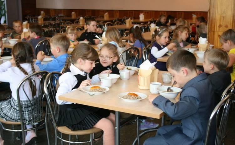 Одесских школьников начнут кормить по-человечески