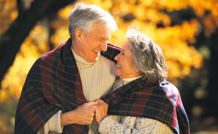 Ученые признали, что женщины живут дольше мужчин