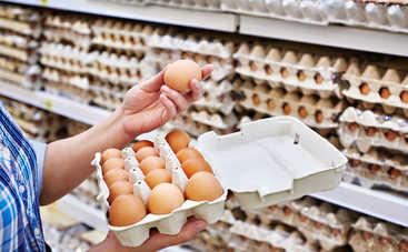 В столичном супермаркете продают яйца с огромными глистами (фото)