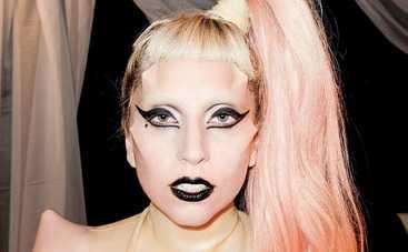 Леги Гага разделась до нижнего белья (фото)