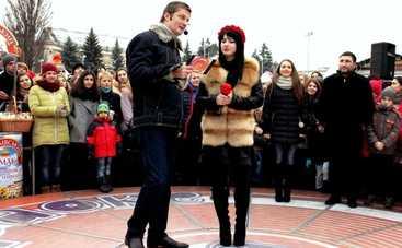 Караоке на Майдане: смотреть выпуск онлайн (эфир от 18.12.2016)