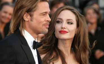 Анджелина Джоли установила за Брэдом Питтом тотальную слежку