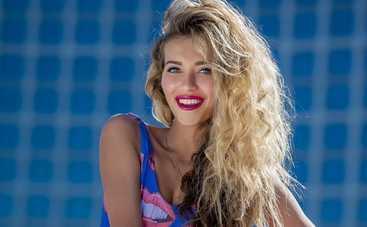 Регина Тодоренко имитирует свою сексуальность (фото)