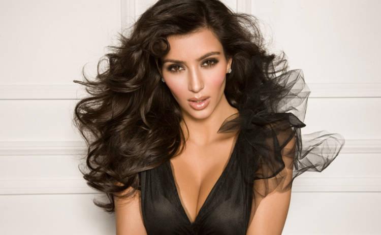 Ким Кардашьян шокировала неряшливым образом (фото)
