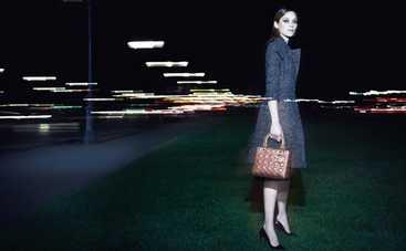 О знаменитой сумке Lady Dior напишут книгу