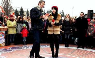 Караоке на Майдане: смотреть выпуск онлайн (эфир от 19.02.2017)
