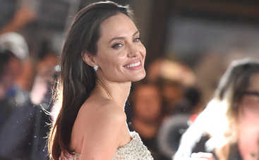 Анджелина Джоли стала профессором престижного ВУЗа