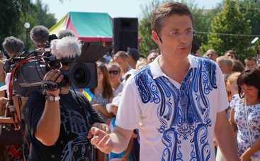 Караоке на Майдане: смотреть выпуск онлайн (эфир от 09.04.2017)