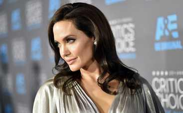 У Анджелины Джоли появился еще один двойник (фото)