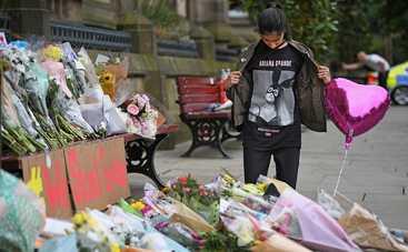 Ариана Гранде оплатит похороны жертв взрыва на ее концерте
