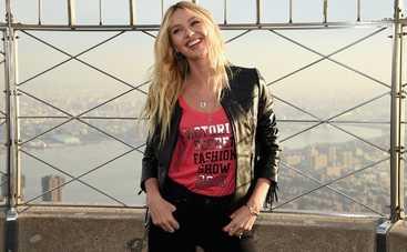 Кэндис Свейнпол снялась в рекламе нижнего белья (видео)