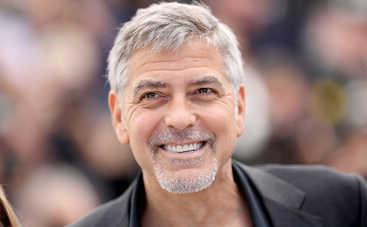 Джордж Клуни нанял охранников младенцам