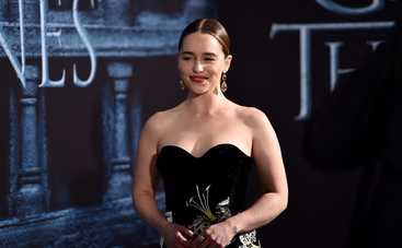 Эмилия Кларк пожаловалась на дискриминацию в Голливуде