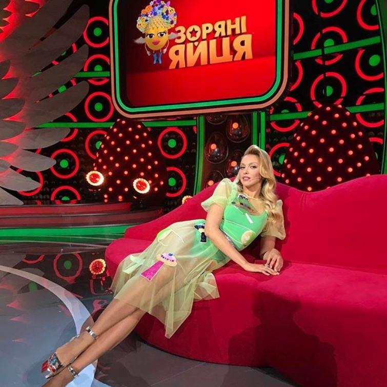 novyy-tv-sezon-tancy-modeli-i-dve-hozyayki-na-kuhne-1