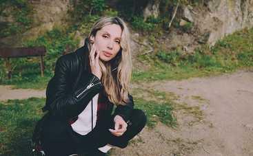 Светлана Лобода показала округлившийся живот (фото)