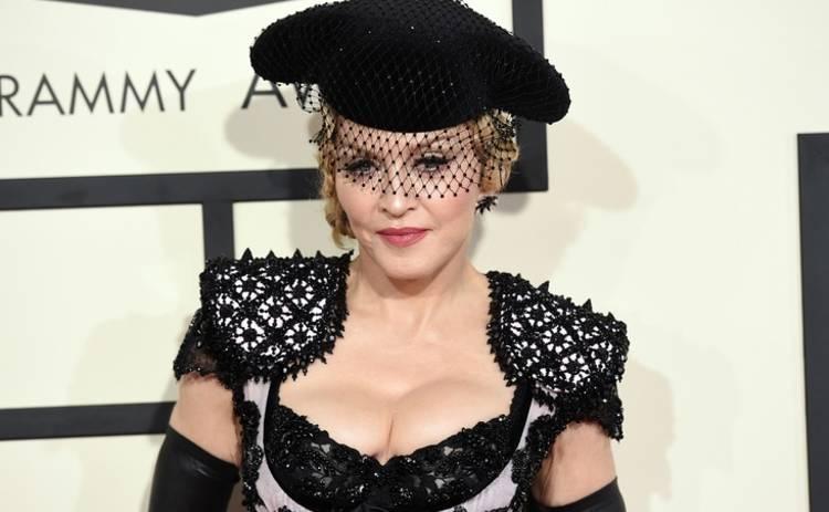 Бойфренд Мадонны бросил ее из-за цвета кожи
