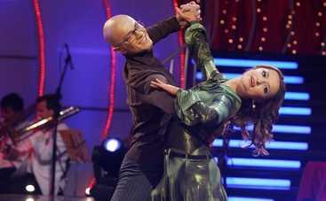 Влад Яма передал #танціззіркамиchallenge Дмитрию Комарову