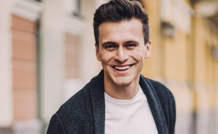 Александр Скичко передал танцевальный челлендж сразу троим звездам