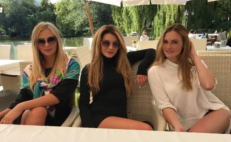 Группа PLAY провела уикенд в компании Миши Романовой