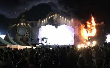 На музыкальном фестивале в Испании случился пожар (видео)