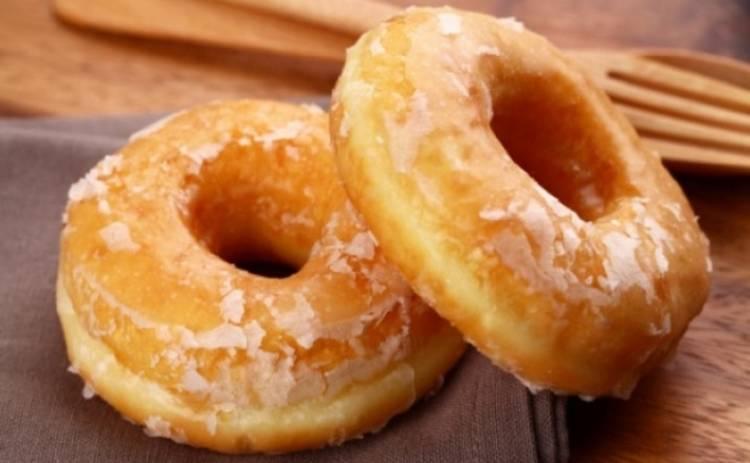 Яблочные пончики с карамельным соусом (рецепт)