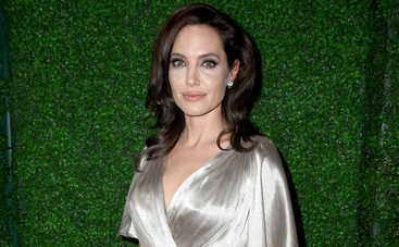Анджелина Джоли обокрала лидера украинской группы «Бумбокс»?