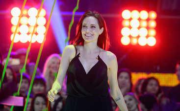 Анджелина Джоли указала Брэду Питту на его место