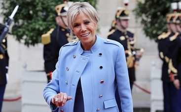 Французы взбунтовались против первой леди страны
