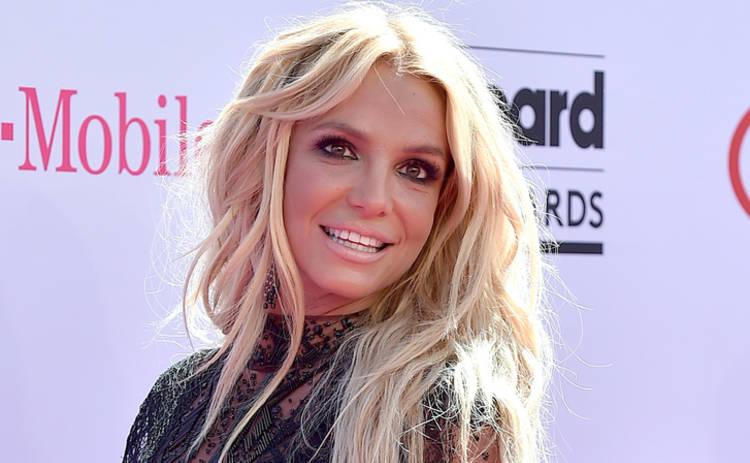 Фанат Бритни Спирс решил потягаться с ней славой (видео)