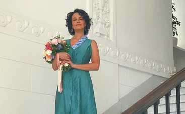 Даша Астафьева надела фату на голое тело