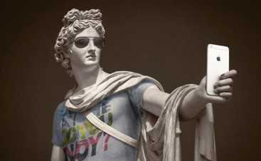 Фотограф превратил в хипстеров классические статуи