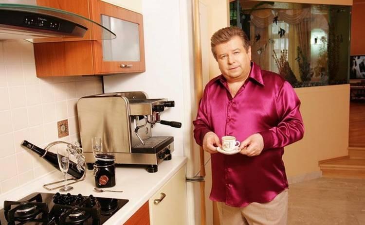 Михаил Поплавский повеселил снимком с отдыха