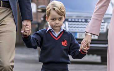Почему принц Джордж пошел в первый класс без мамы?