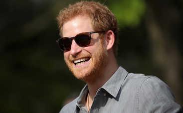 Принц Гарри позволил двухлетней девочке украсть свой попкорн