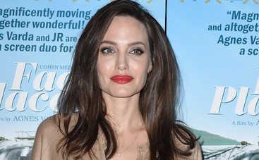 Анджелина Джоли скрывает вражду между детьми