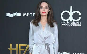 Зачем Анджелина Джоли занялась оккультизмом?