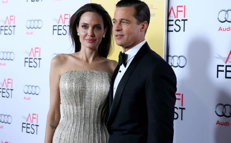 Брэд Питт пытается купить Анджелину Джоли