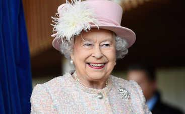 Елизавета II не придет на свадьбу внука Гарри