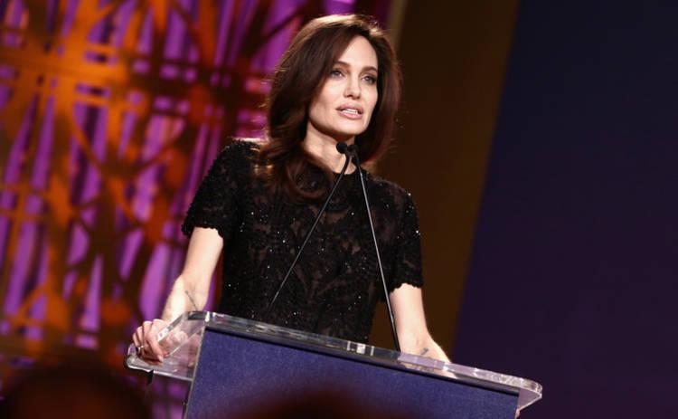 Анджелину Джоли заподозрили в страшной болезни