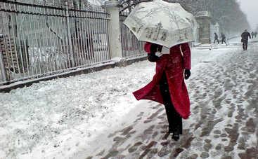 В четверг в Украине будет тепло, но мокро