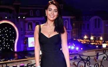 Экс-невеста Козловского похвасталась стройной фигурой в купальнике
