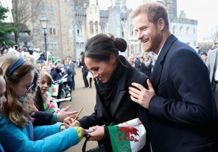 meghan_markle_writes_a_note_for_10_year_old_caitlin_clarke_754x525
