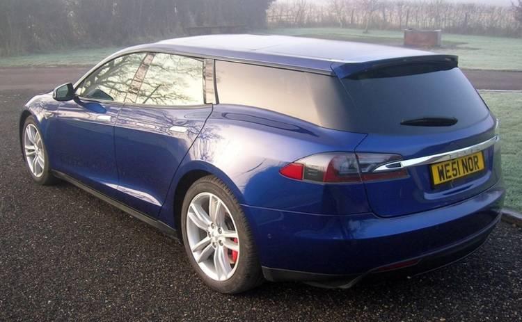 Ради домашних питомцев машину Tesla превратили в суперуниверсал