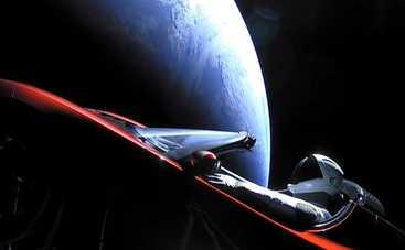 Родстер Tesla полетел на Марс