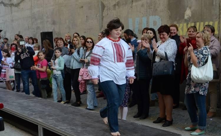 Украинские дизайнеры выбирают в качестве моделей выпускников детских домов