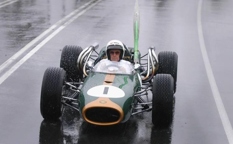 Семья трехкратного чемпиона Формулы-1 займется выпуском суперкаров