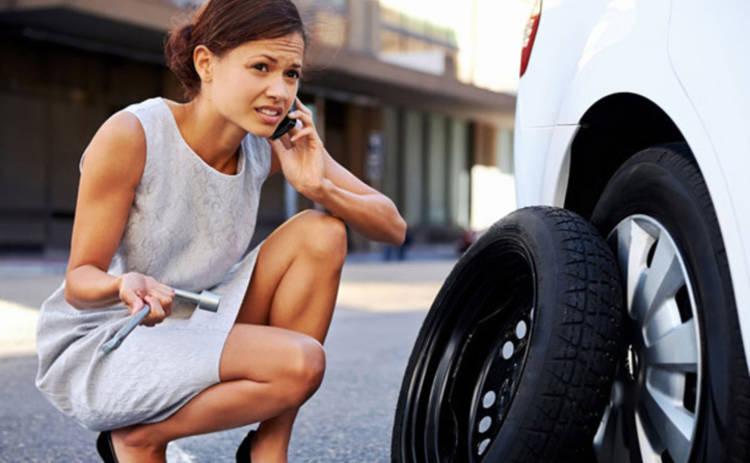 Что делать, если в автомобиле спустило колесо
